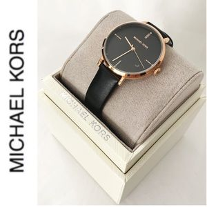 NWT authentic MK leather strap rosegold watch
